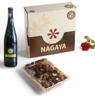 משלוח מנות של פירות יבשים אורגניים ויין לבן